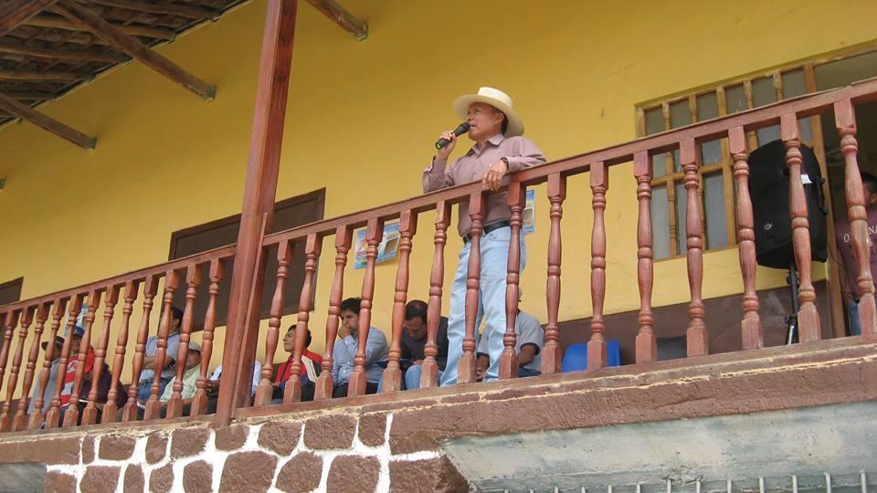 Alcalde de Araqueda, reconoce los derechos del productor